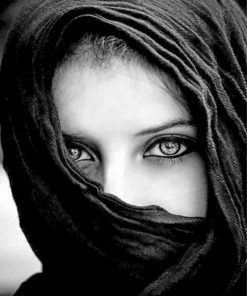 black-and-white-arabic-woman-paint-by-number